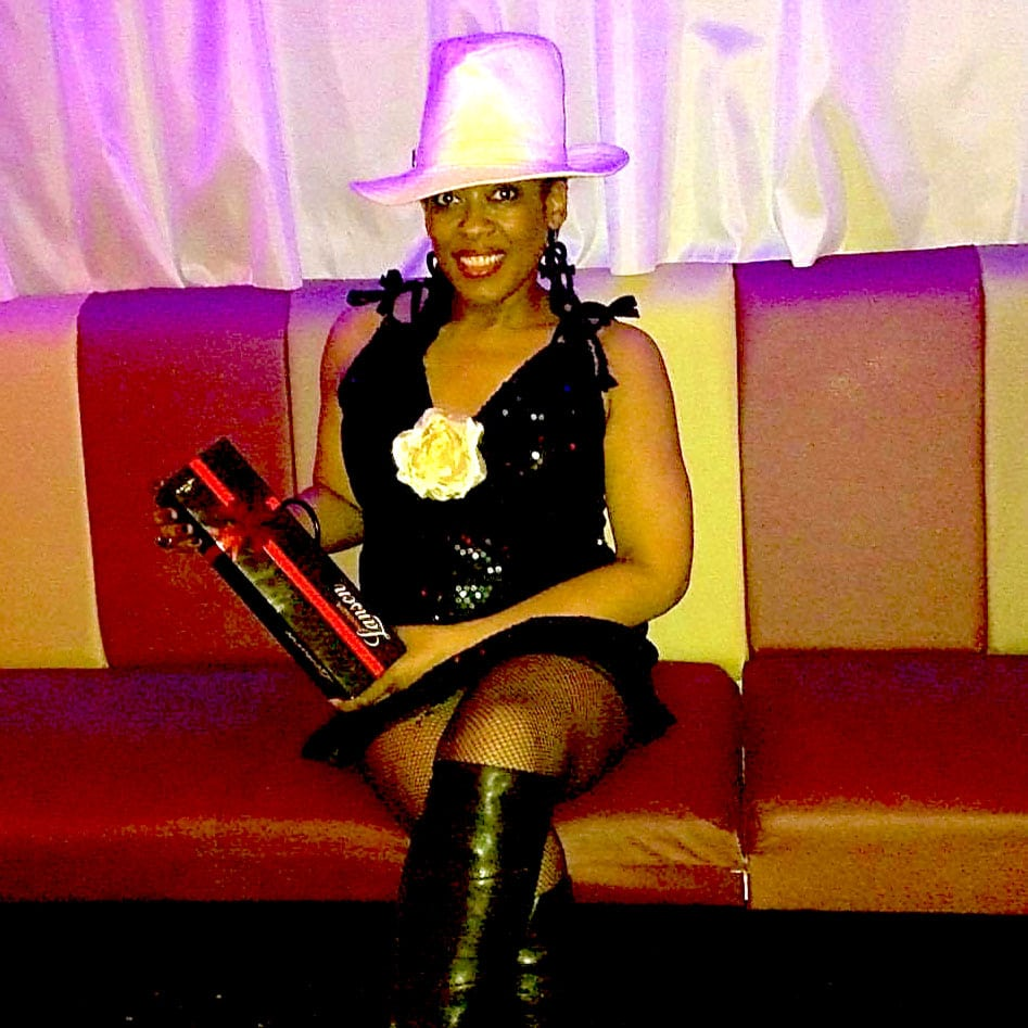 Photo-Gallery-image-of-Best-hat-winner at RTT Soul night
